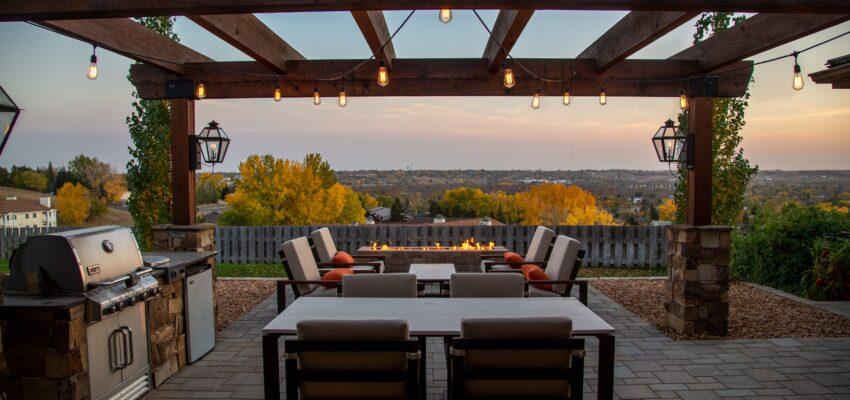 Nadstrešek za teraso – Vse kar morate vedeti na enem mestu